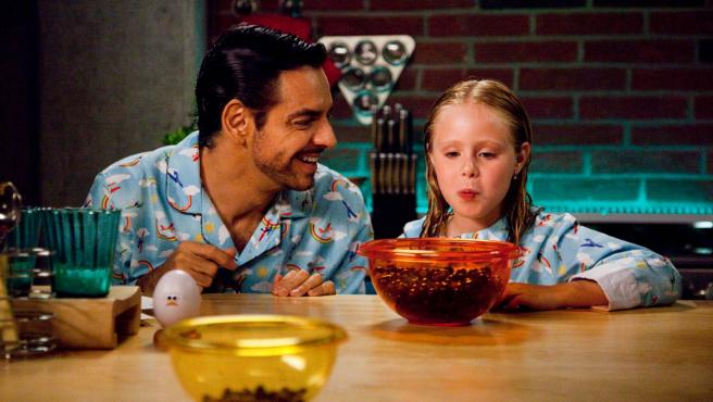Una escena de <em>No se aceptan devoluciones (Instructions Not Included),</em> con Eugenio Derbez.